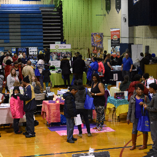 Picture of Summer Camp Fair Crowd